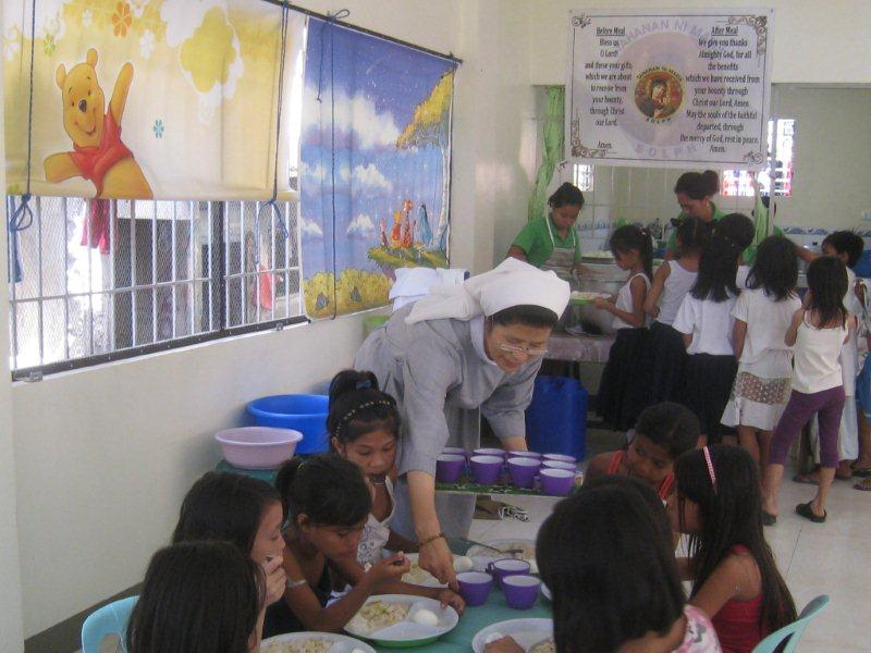 Tumana feeding center (130children)-Sr.Gabriela(2)